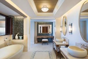 STREGI-HIRS-Room-Beachfront_Grand_Suite