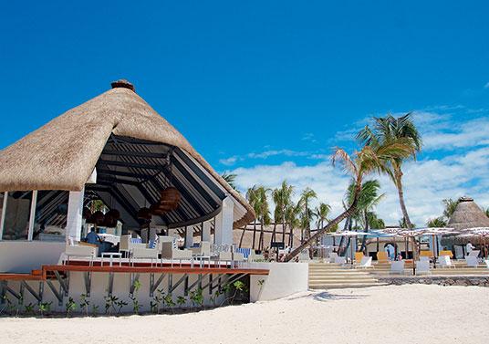 Ambre-Beach-Bar-Carousel-1