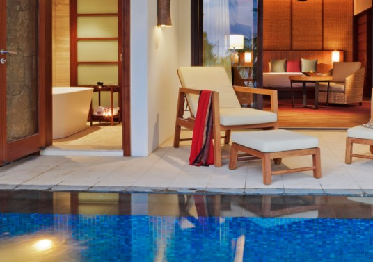 angsana-balaclava-mauritius-acc-deluxe-pool-suite-img2-1170x470-1