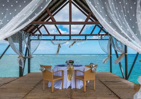 lemeridien_0004_Private Wedding Lunch on the Jetty